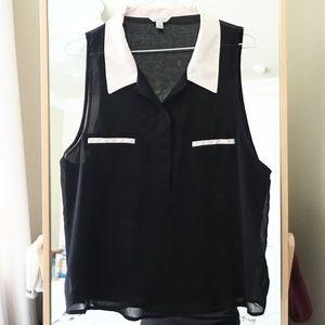 F21 Contrast Collar Sleeveless Shirt